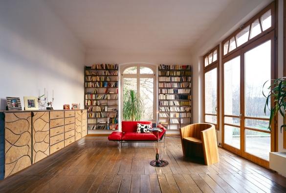 Hängendes Büchergestell aus Eisen und Ulmenholz