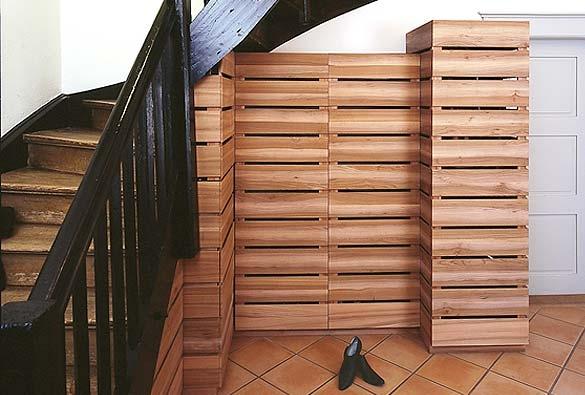 Schuhgestell und Garderobe   aus Ulmenholz